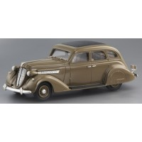 NASH Ambassador 8 Sedan, 1935, l.brown